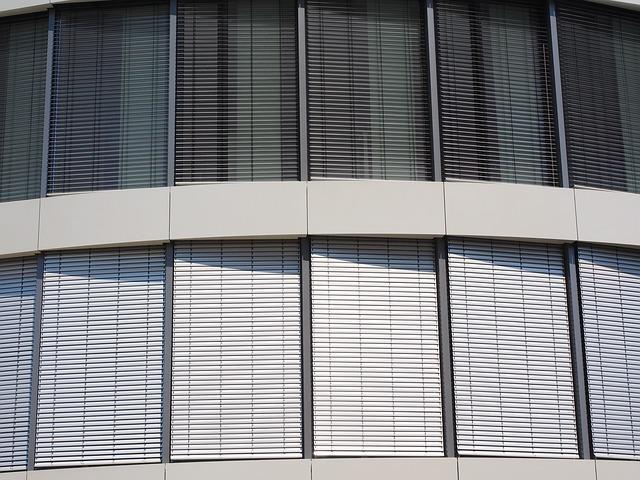 window-2524143_640